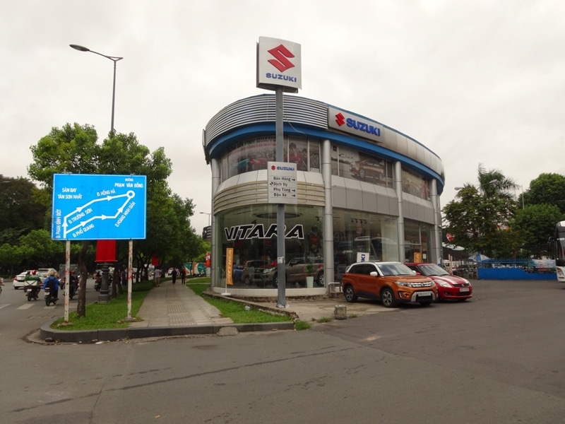 Suzuki World Phổ Quang là showroom chính thức của Suzuki Việt Nam với vốn 100% của Nhật